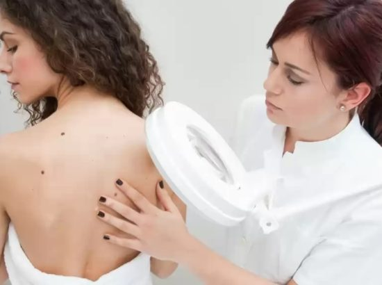 Удаление бородавок с лица без риска